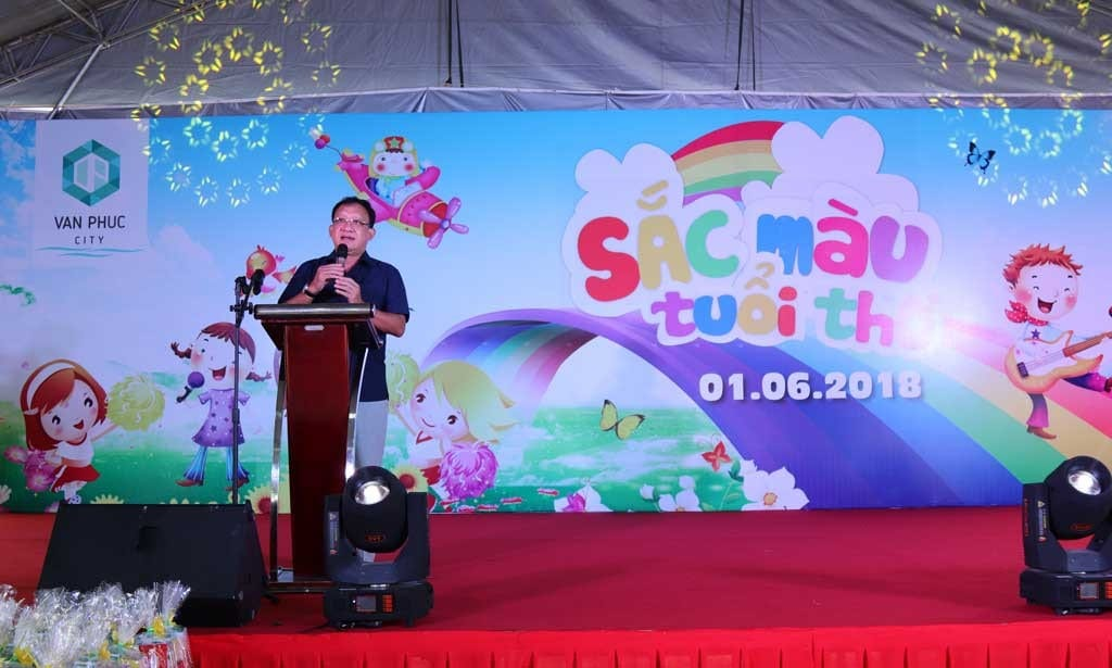 Ông Lê Văn Minh phát biểu khai mạc ngày hội